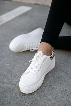 White Casual Sneakers, White Slip On Sneakers, White Tennis Shoes, Tennis Shoes Outfit, Leopard Sneakers, Platform Tennis Shoes, Summer Sneakers, Trendy Womens Sneakers, Sneakers Women