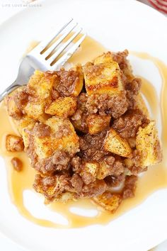 Overnight Cinnamon Apple Baked French Toast Casserole is perfect for the holidays and great for any time you want a fun breakfast without a ton of work! Baked French Toast Casserole, Best Breakfast Casserole, Breakfast Dishes, Breakfast Recipes, Breakfast Ideas, Brunch Ideas, Apple French Toast, French Toast Bake, Baked Cinnamon Apples
