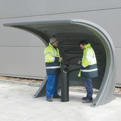 The contemporary design of the Zone™ Smoking Shelter is ideal for outside workplaces and small businesses to create an outdoor smoking area. It offers long lasting quality and is delivered fully assembled making installation easy. #Shelter #SmokingShelter #GlasdonUK #EcigaretteShelter