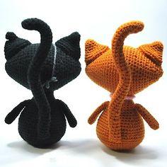 Kim Lapsley Crochets: Black Cat/Ginger Cat