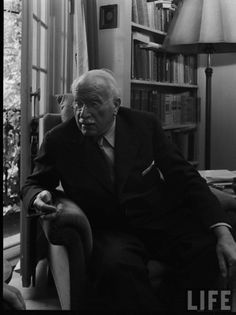 Carl Jung in Life Magazine Carl G Jung, Jung In, David R Hawkins, Ken Wilber, Gestalt Therapy, Humanistic Psychology, Abraham Maslow, Neuroplasticity, Red Books