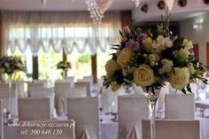 dekoracja stołu weselnego fioletowe kwiaty