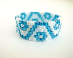 Peyote Ring / Seed Bead Ring in White and Blue / Beaded Ring / Flower Ring / Size 8 / Delica Ring / Beadwork Ring / Bridesmaid Ring