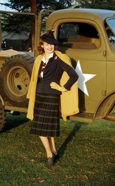 Vintage 1940s Ensemble {Wearing History Blog}