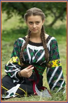 World Ethnic & Cultural Beauties Ukraine Women, Ukraine Girls, Ethnic Fashion, Colorful Fashion, Womens Fashion, Traditional Fashion, Traditional Dresses, Romanian Women, European Girls