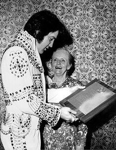 Nancy Anderson presenting Elvis with the 1973 Photoplay Editors Award in Las Vegas