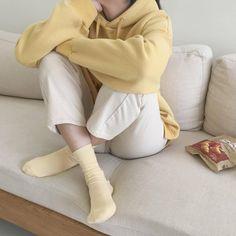 Korean Fashion – How to Dress up Korean Style – Designer Fashion Tips Korean Aesthetic, Aesthetic Colors, Aesthetic Photo, Aesthetic Clothes, Aesthetic Outfit, Stylish Outfits, Cute Outfits, Fashion Outfits, Fashion Tips