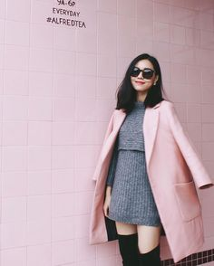 Michelle (@runwayonthego) I like my coat matching the wall  #ootd #lotd #fashionblogger #wiw