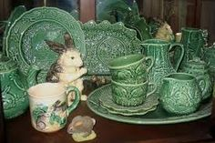 Bordallo Pinheiro rabbit dishes Photo: The Bordallo pieces come in several colors. Lavender, yellow, pink, and blue, as well as the green I favor. Easter Dishes, Easter Table, Rabbit Dishes, Easter Parade, Vintage Kitchenware, Easter Celebration, Stuff And Thangs, Vintage Easter, Easter Gift