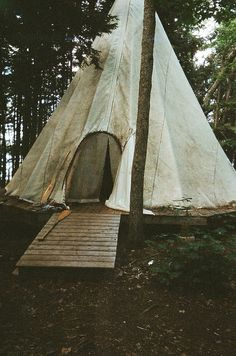 Reminds of when I went tipi camping A Well Traveled Woman, Boho Home, Am Meer, The Ranch, Go Camping, Looks Cool, The Great Outdoors, Places To Go, Beautiful Places
