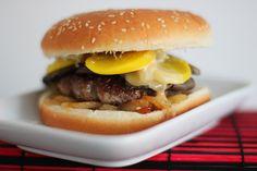 Der beste Burger der Welt - so geht er: Wir erklären die absoluten Basics und zeigen, warum jeder seinen eigenen perfekten Burger für sich finden muss.