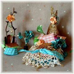 make fairy furniture Fairy Garden Furniture, Fairy Garden Houses, Fairies Garden, Miniature Crafts, Miniature Fairy Gardens, Bird Houses Painted, Fairy Clothes, Fairy Garden Accessories, Fairy Doors
