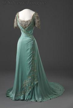 Evening dress, ca 1909 France, Nasjonalmuseet.