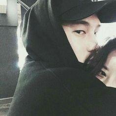 couple, ulzzang, and asian image Mode Ulzzang, Ulzzang Boy, Korean Boy, Korean Couple, Beautiful Boys, Beautiful Pictures, Couple Avatar, Couple Ulzzang, Boyfriend Goals