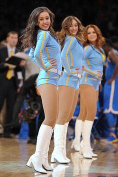 Cute Cheerleaders, College Cheerleading, Cheerleading Pictures, Cheerleading Outfits, Cheerleader Girls, College Basketball, Celebrity Boots, Professional Cheerleaders, Ice Girls