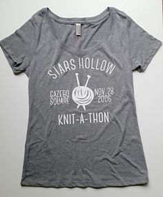 Stars Hollow Knit-A-Thon T shirt in size XL