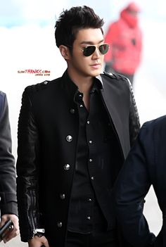 130107 Siwon @ Gimpo Airport
