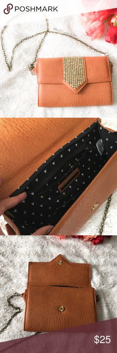 """Boho Glam Chain Purse ✦   ✦{I am not a professional photographer, actual color of item may vary ➾slightly from pics}  ❥Pockets:2 open/1 w/zipper ❥width:11"""" ❥length:7.5"""" ❥chain strap:approx 49"""" & detachable  ➳material:PU  ➳fit:can be worn as a Crossbody or shoulder bag  ➳condition:has wear on folded side panel next to chain   ✦20% off bundles of 3/more items ✦No Trades  ✦NO HOLDS ✦No transactions outside Poshmark  ✦No lowball offers/sales are final Street Level Bags Crossbody Bags"""