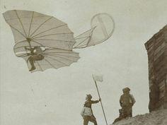 """O alemão Otto Lilienthal morreu usando sua própria criação: o planador """"Normal Glider""""."""