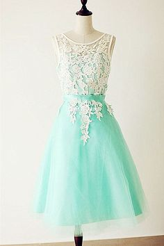 Emerald Lace Cap Sleeves Backless Homecoming Cocktail Dresses