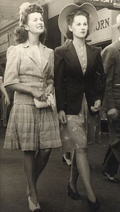 Imagine dressing like this on a normal day.  Oh, I was born in the wrong era.