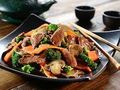 Chinesische Gemüsepfanne mit Rindfleischstreifen