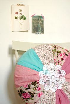 Weekend project: Doily cushion.