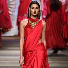 Get the look: Wine+gold lips at Tarun Tahiliani India Fashion, Royal Fashion, Ethnic Fashion, Asian Fashion, Indian Attire, Indian Wear, Indian Outfits, Indian Style, Indian Ethnic