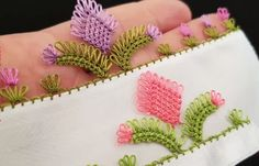 How to Make a Needle in a Tulip Crochet Borders, Filet Crochet, Crochet Patterns, Needle Tatting, Needle Lace, Lace Embroidery, Lace Making, Needlework, Diy And Crafts