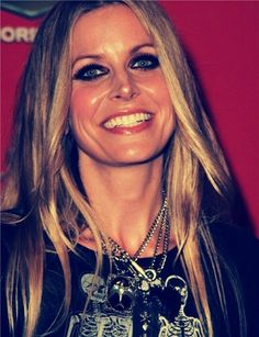 Zombie Pics, Rob Zombie, Zombie Art, Beautiful Women Tumblr, Beautiful People, Zombie Movies, Scary Movies, Sherri Moon Zombie, Zombie Rules