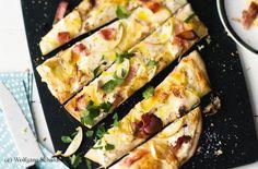 Flammkuchen mit Apfel, Speck und Camembert Snacks, Zucchini, Pizza, Vegetables, Recipes, Pie, Meat, Appetizers, Recipies