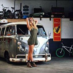 Hot girl and VW van Volkswagen Transporter, Volkswagen Minibus, Vw T1, Volkswagen Group, Combi Split, Porsche, Audi, Bus Girl, Chevy