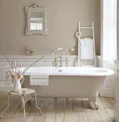 Who wouldn't love to soak in a tub like that?