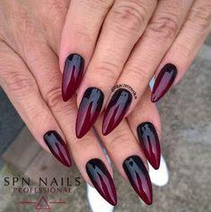 Nails dark ombre nailart ideen für 2019 - hands and nails ♦ - halloween nails Black Ombre Nails, Dark Nails, Dark Ombre, Nail Black, Dark Acrylic Nails, Magenta Nails, Goth Nails, Stiletto Nails, Grunge Nails