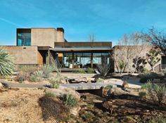 architectureandfilmblog: Jim Murren House Marmol Radziner. Landscape bySage Design Studios. MARMOL RADZINER PREFAB FACTORY (2006) Slightly odd montage video looking at the prefab construction process. Marmol Radziner originally created prefabs for conventional purposes but moved into developing new residential typologies after participating in a Dwell Magazine invitational.(Image via Dwell courtesy of Jill Paider.)