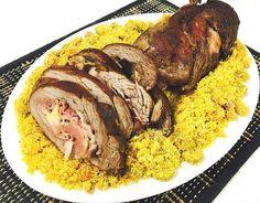 Imagem do Rocambole de filé com farofa de bacon e azeitonas (Foto: Chef Wellington)