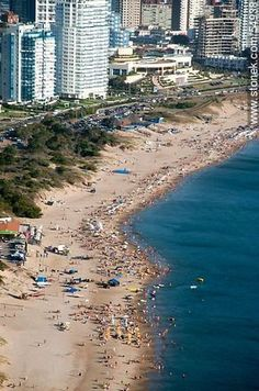 URUGUAY, PLAYA EN PUNTA DEL ESTE CrazyPuntaDelEste.com Follow us @TheCrazyCities.com
