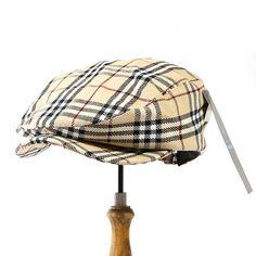 左サイドには赤のホースロゴが刺繍された英国チェック柄のハンチング帽です。 素材には綿を100%使用しており、通気性の良い快適なかぶり心地ですよ。  詳細はこちら>http://bbl-shop.com/?pid=73808139