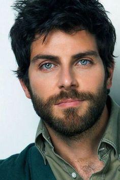 David Giuntoli - Those eyes! That facial hair! That Skin! Get your man's skin glowing with the Summe David Giuntoli, Scruffy Men, Hairy Men, Bearded Men, Beautiful Men Faces, Gorgeous Men, Blue Eyed Men, Handsome Faces, Men Handsome