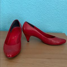 Leather High Heels, Red Leather, Red Pumps, Low Heels, Lady In Red, Kitten Heels, Pairs, Shape, Fit