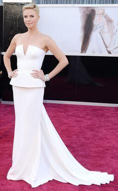 Oscares 2013: Charlize Theron en un look de Dior Haute Couture.