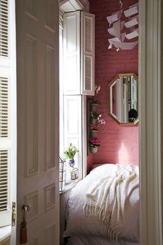 shutter, rue magazin, paperfashion, nook, sailboat, bedroom
