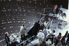 Rare photos of Star Wars behind the scenes. Rare photos of Star Wars behind the scenes. - Interesting - Check out: Star Wars Behind The Scenes on Barnorama Star Wars Film, Star Wars Fan Art, Star Trek, Famous Movies, Iconic Movies, Star Wars Episode 8, Episode 5, Starwars, Dark Vader