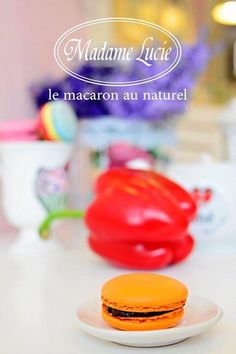 Avem un macaron special pentru voi. Vino azi in magazin sa gusti macaronul cu aroma de ardei si ciocolata neagra! #macarons #madamelucie
