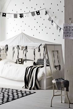 "Foto ""pinnata"" dalla nostra lettrice Laura, blogger di mommo design: #IKEA HACKS - Kura bed"