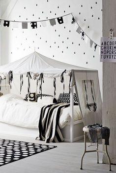 """Foto """"pinnata"""" dalla nostra lettrice Laura, blogger di mommo design: #IKEA HACKS - Kura bed"""