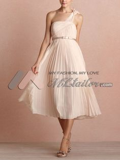 One shoulder chiffon bridesmaid dress with soft pleats skirt (http://www.mltailor.com/products__one-shoulder-chiffon-bridesmaid-dress-with-soft-pleats-skirt_13012.html)
