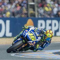 Valentino Rossi - Knee down