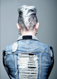 BEFORE AFTER: Rock-Inspired Power Chop With Graphics - Hairstyling Updos - Modern Salon Click this image for more info. Undercut Hairstyles, Modern Hairstyles, Box Braids Hairstyles, Cool Hairstyles, Japanese Hairstyles, Asian Hairstyles, Protective Braids, Shaved Hair Designs, Breaking Hair
