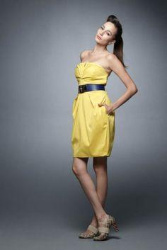 Tomara-que-caia amarelo super lindo! http://vilamulher.terra.com.br/vestido-tomaraquecaia-para-a-primavera-14-1-32-2691.html